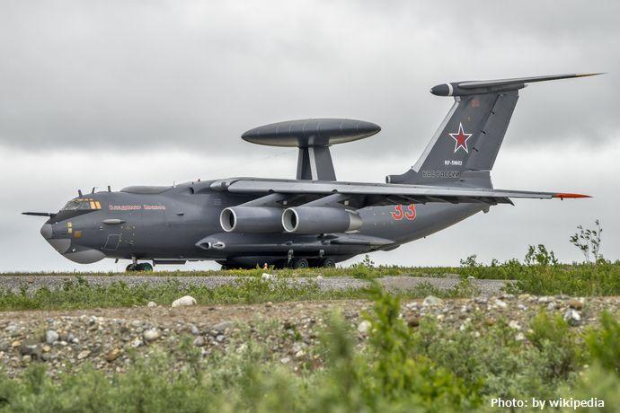 Beriev_A-50_at_Vorkuta_Sovetsky_Air_Base,_July_2015