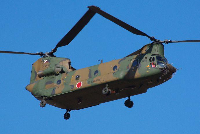 JGSDF_CH-47J_20120108-02