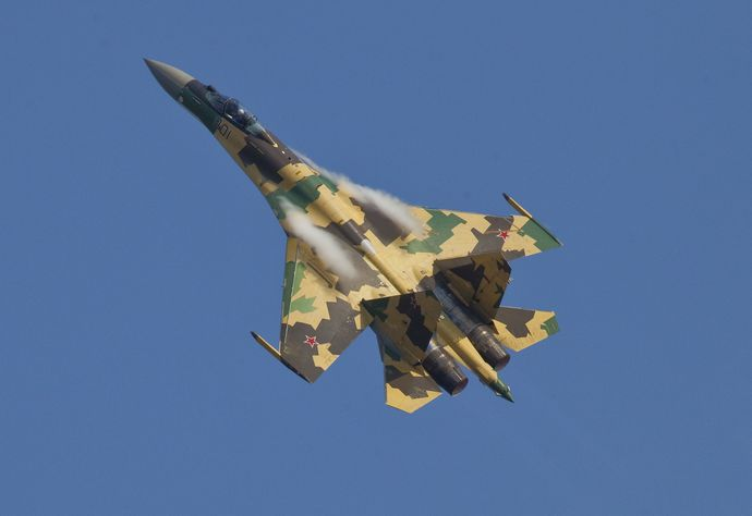Sukhoi_Su-35_MAKS'2011_Avdeev