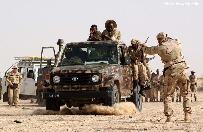 10th_SFG_with_Mali_soldiers