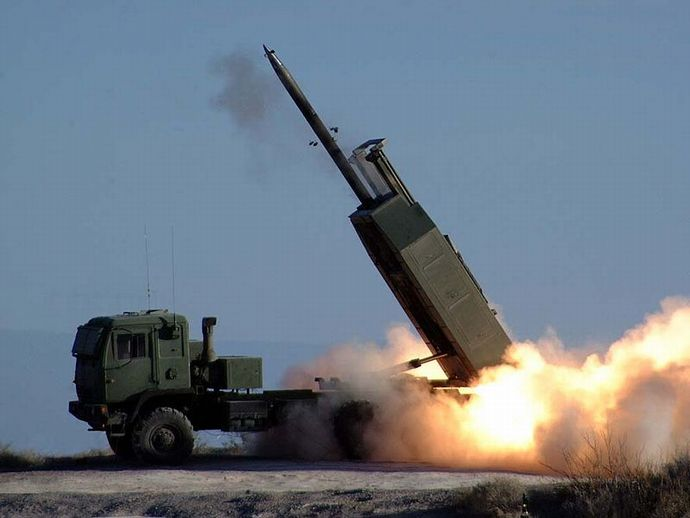 800px-HIMARS_-_missile_launched