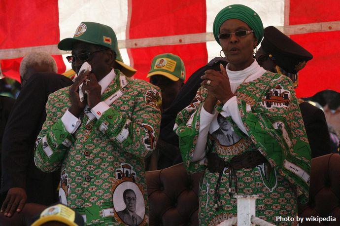 Grace_Mugabe_with_Robert_Mugabe_2013-08-04_11-53