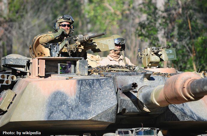 Turret_of_Australian_M1A1_Abrams_tank