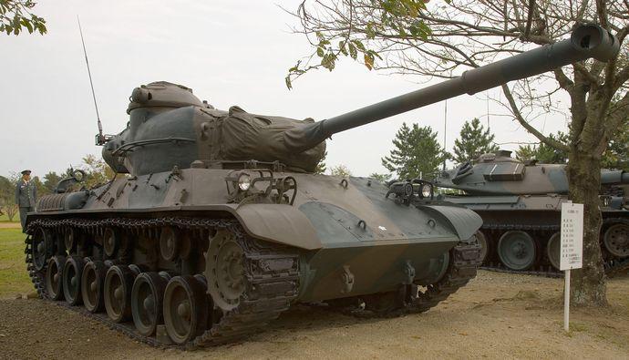 Japanese_Type_61_tank_-_1