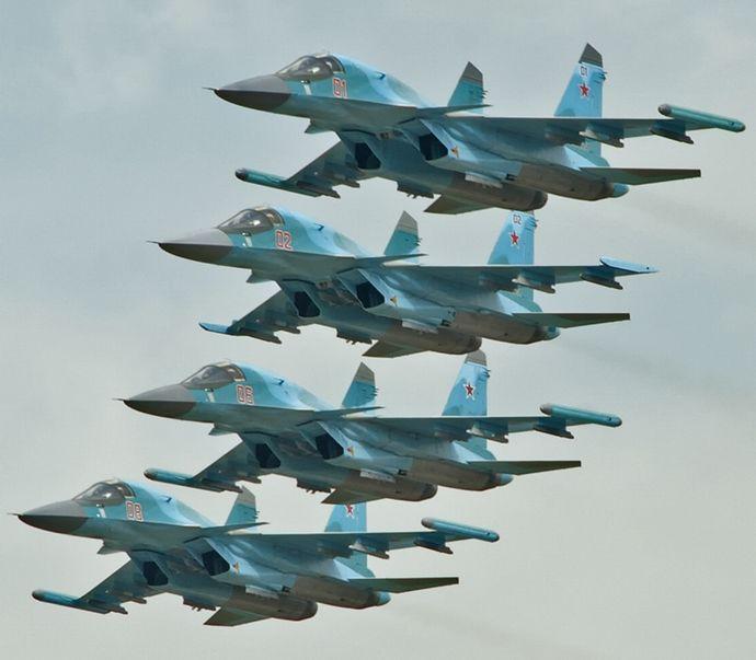 Four_SU-34_in_flight_(8060054018)