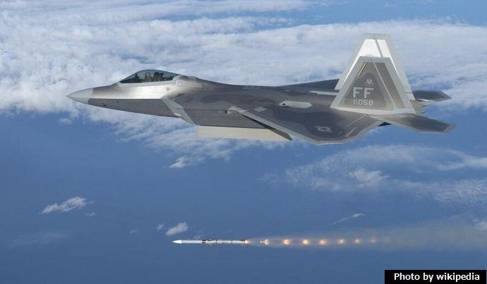 F-22A_Raptor_-03-4058