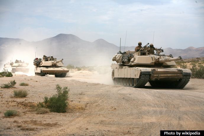 Abrams_tanks_on_the_way