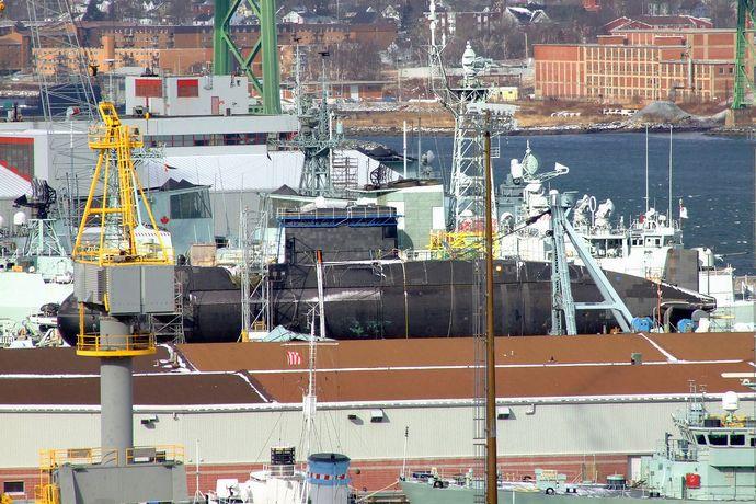 1280px-HMCS_Chicoutimi_Dockyard_Halifax