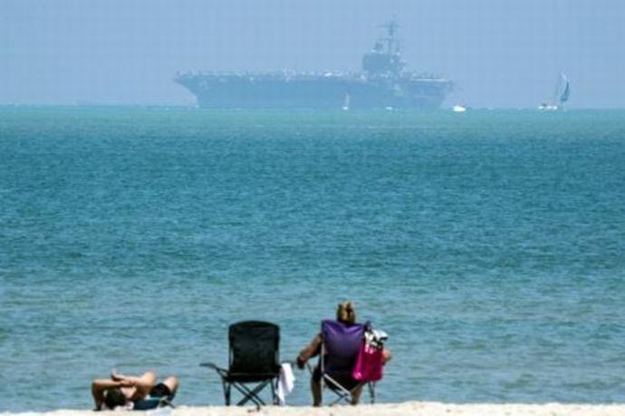 イスラエル沖で休息する米海軍空母「ジョージ・H・W・ブッシュ」…イスラム国掃討作戦に参加!
