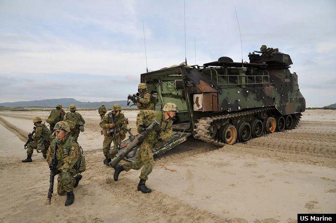 「総合火力演習 水陸機動団」の画像検索結果