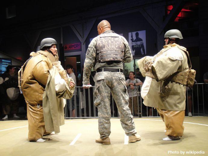 Call_of_Duty_XP_2011_-_Juggernaut_Sumo_Challenge_(6114031184)