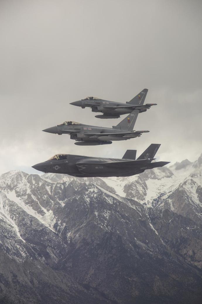 F 35 (戦闘機)の画像 p1_35