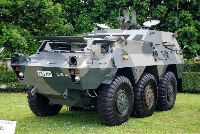 JGSDF_Type82_Command_Communication_Vehicle_20120610-02