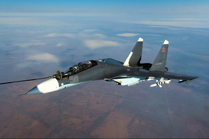 Aerial_refuelling_of_a_Sukhoi_Su-30SM