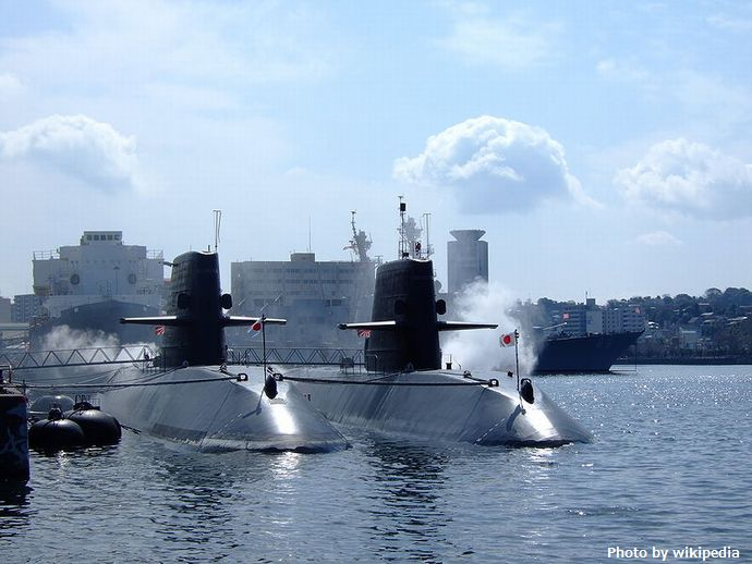 800px-Submarines_JMSDF_Yokosuka