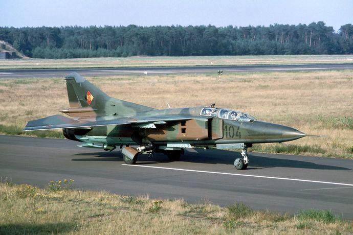MiG-23UB_East_Germany_(22733729341)
