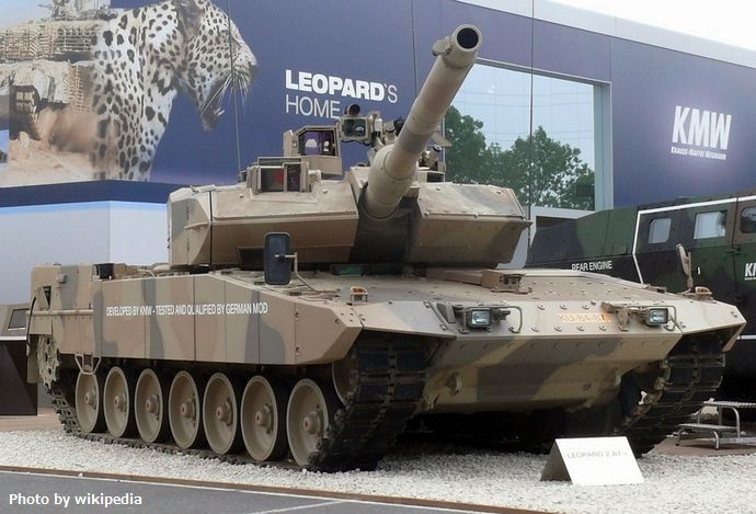 Leopard_2_A7,_Eurosatory_2010_(cropped)