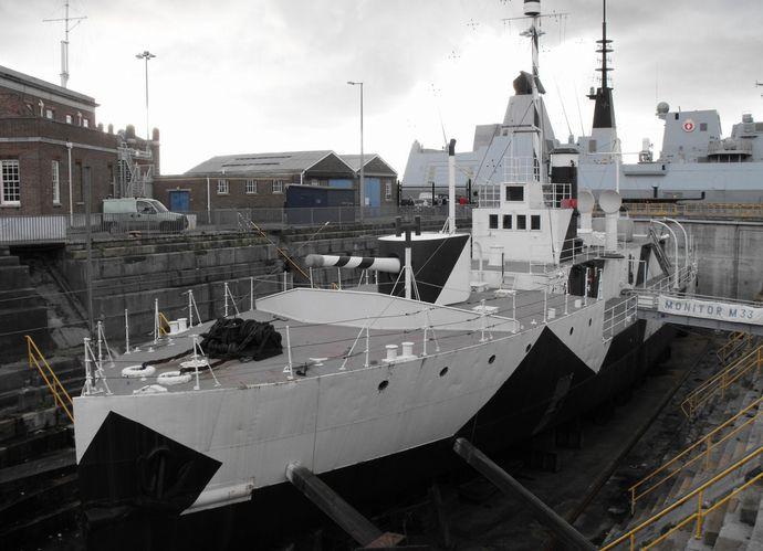 英国海軍の伝説的軍艦「HMS M33 ミナーバ」…ポーツマスで修復作業が進行中!
