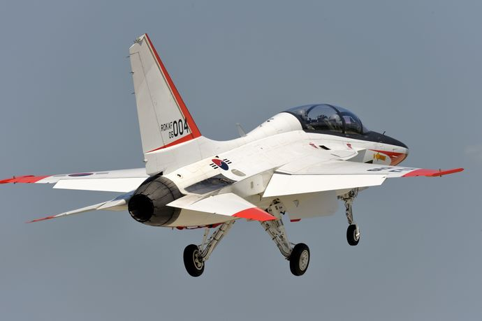 T-50_Golden_Eagle_Demo_flight_(12201853846)
