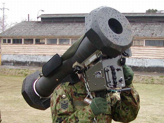 01式軽対戦車誘導弾って欠陥兵器...