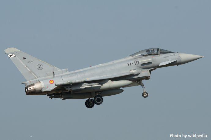 Spanish_Air_Force,_Eurofighter_Typhoon,_C.16-30_11-10