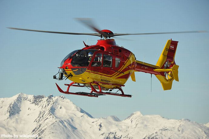 800px-SHS_Rescue_Helicopter