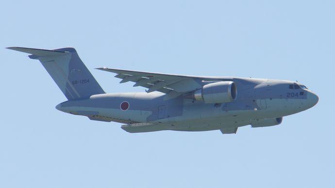 JASDF_C-2(68-1204)_fly_over_at_Miho_Air_Base_May_28,_2017_01