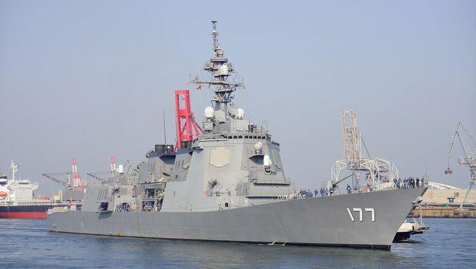 JS_Atago(DDG-177)_in_Tenpouzan_Port_20140426-01