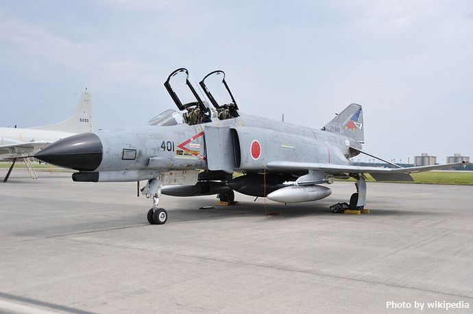 800px-JASDF_F-4EJ_yokota_ab