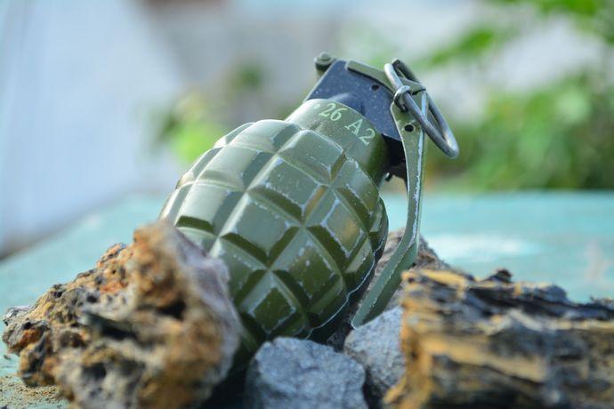 grenade-2380418_1920