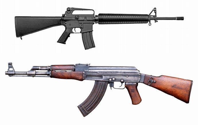 M16自動小銃ってAK47より優れた...