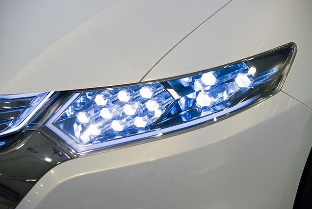 1280px-Honda_Insight_Concept_03