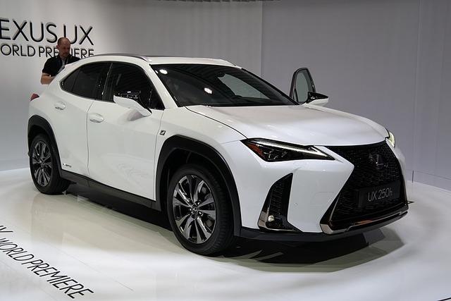 800px-2018-03-06_Geneva_Motor_Show_2530