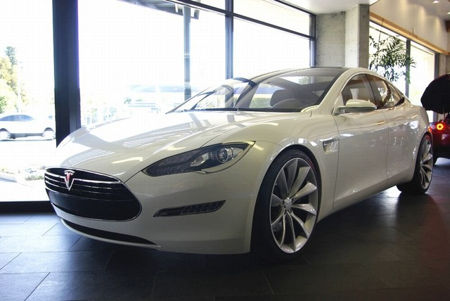 TeslaModelSsedan