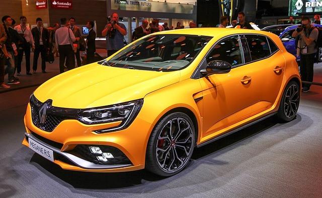 800px-Renault_Megane_RS,_IAA_2017_IMG_0408