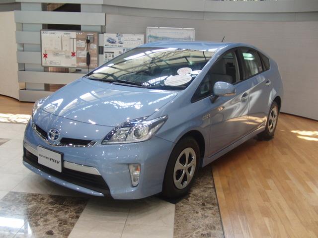 Toyota_Prius_PHV_2