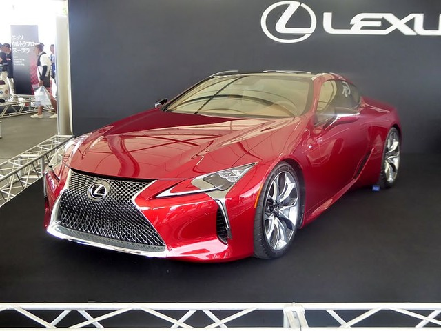 The_frontview_of_Lexus_LC500_Prototype