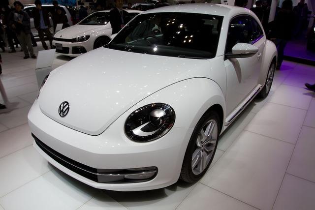 Volkswagen_Beetle_front_2011_Tokyo_Motor_Show