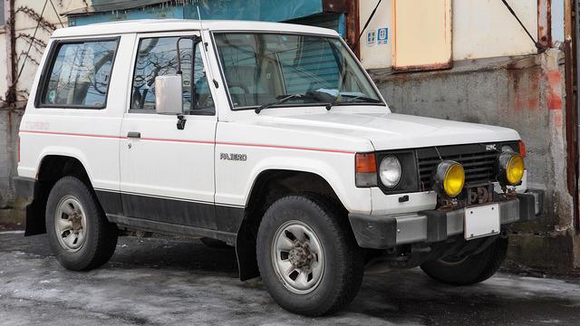 Mitsubishi_Pajero_015