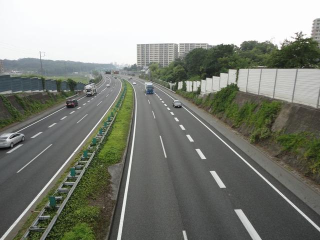 東名高速道路_-_panoramio