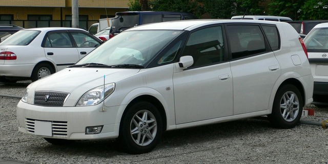 2002_Toyota_Opa_01