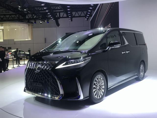 Lexus_LM_001