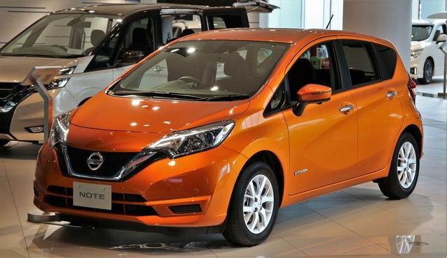 Nissan_Note_e-POWER_X