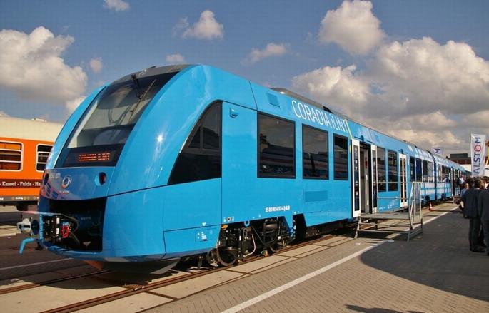 Alstom_Coradia_iLint_'Hydrail'_auf_der_InnoTrans_2016_in_Berlin