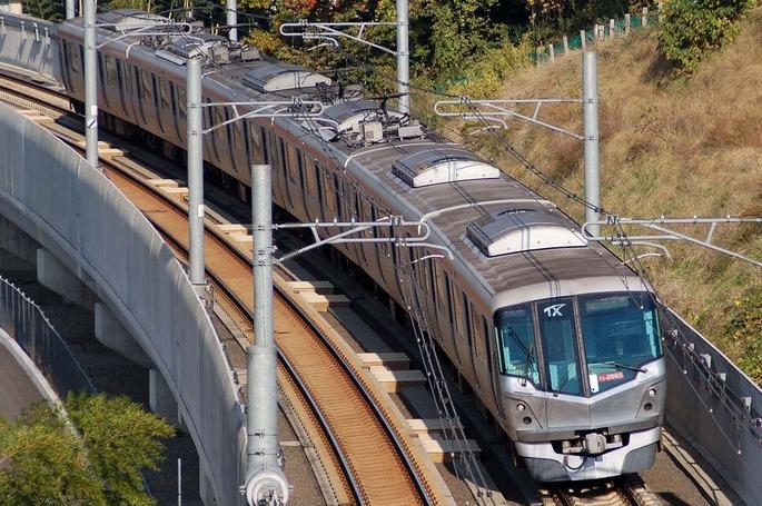 Tsukuba_Express_2000