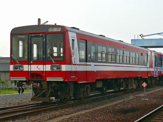 1280px-Kashima_rinkai_Railway-kiha6000