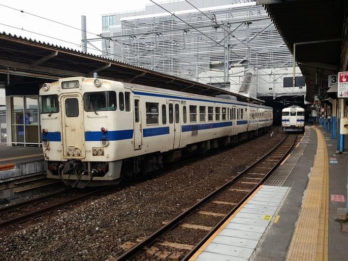 小倉駅_鹿児島本線と日田彦山線_停車位置の違い