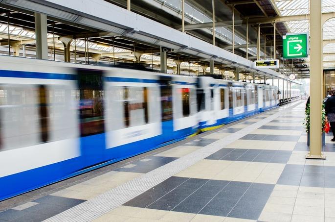 metro-2778355_960_720