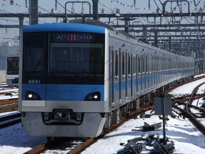 Model_4000-First_of_Odakyu_Electric_Railway_2