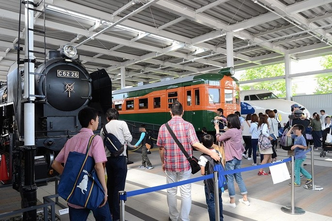 Kyoto_railway_museum_promenade_rolling_stock_part_2